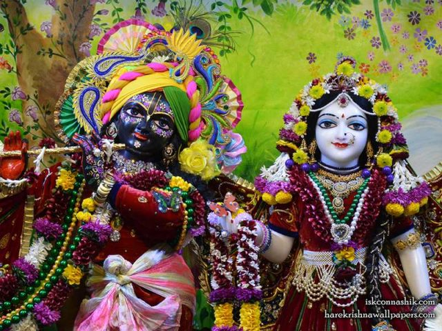 Sri Sri Radha Madan Gopal Close up Wallpaper (015)