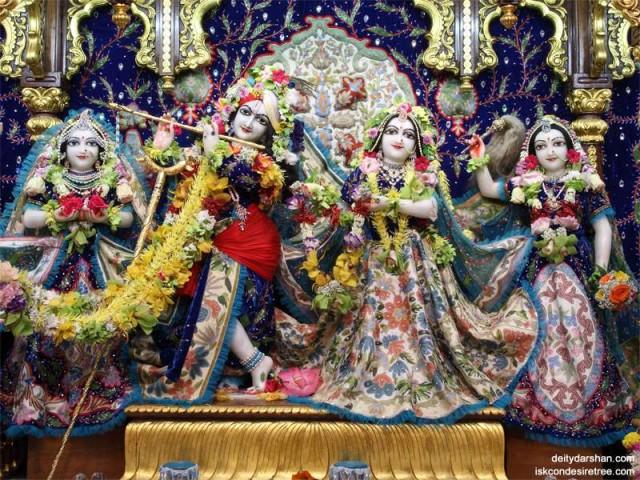 Sri Sri Radha Gopinath Lalita Vishakha Wallpaper (008)