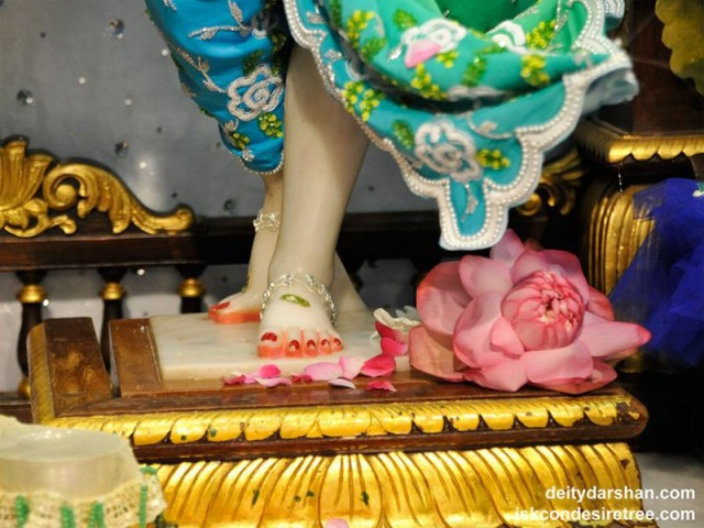 Sri Gaurachandra Feet Wallpaper (004)