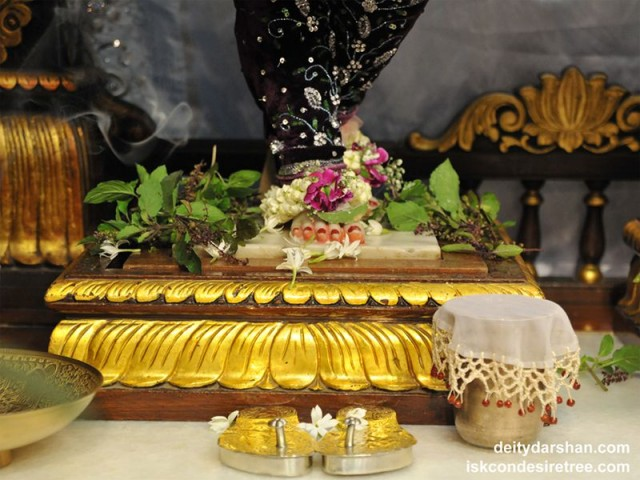 Sri Nitai Feet Wallpaper (004)