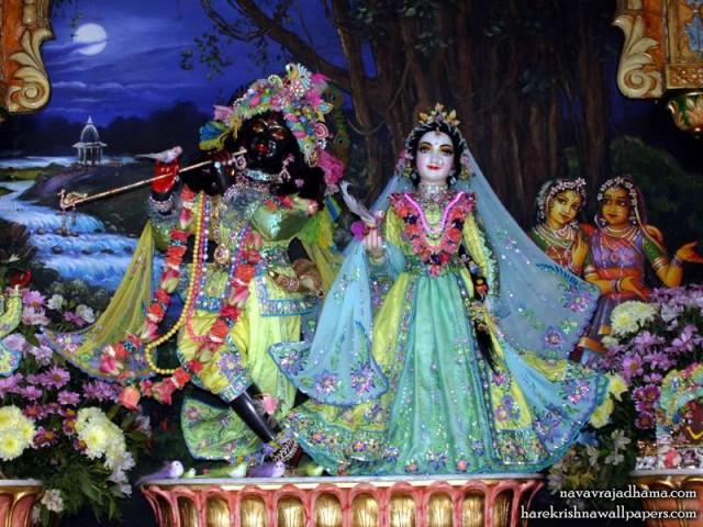 Sri Sri Radha Shyamsundar Wallpaper (010)
