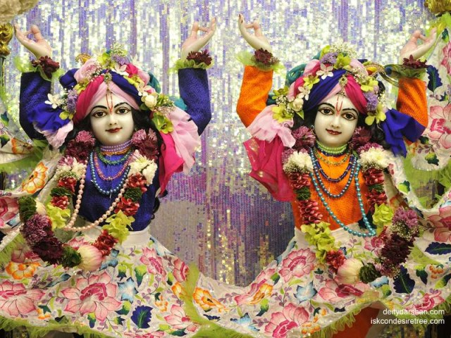 Sri Sri Nitai Gaurachandra Close up Wallpaper (015)