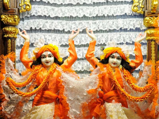 Sri Sri Nitai Gaurachandra Close up Wallpaper (016)