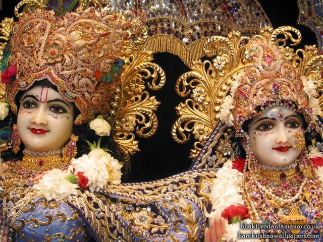 Sri Sri Radha Gokulanand Close up Wallpaper (003)