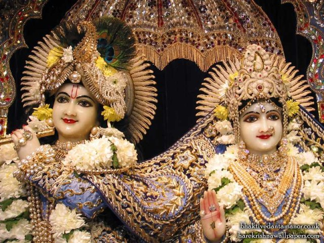 Sri Sri Radha Gokulanand Close up Wallpaper (005)