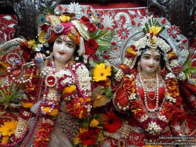 Sri Sri Radha Giridhari Close up Wallpaper (010)