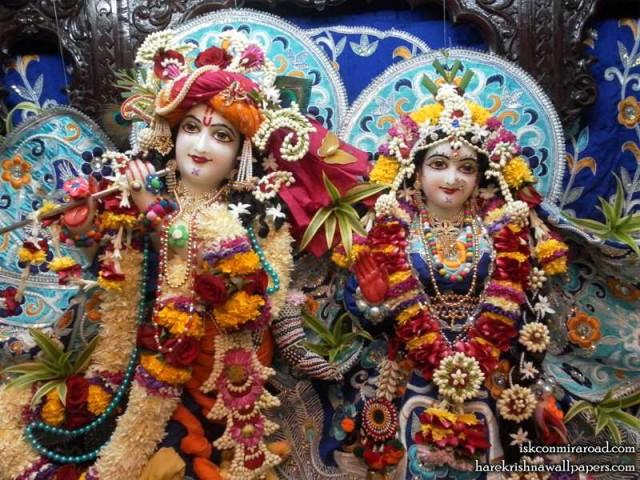 Sri Sri Radha Giridhari Close up Wallpaper (018)