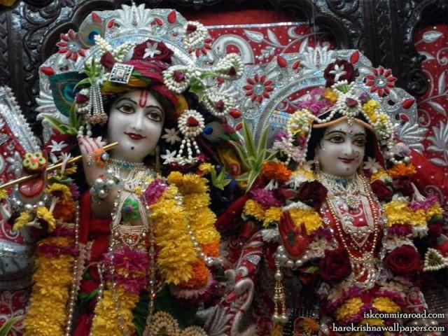 Sri Sri Radha Giridhari Close up Wallpaper (022)