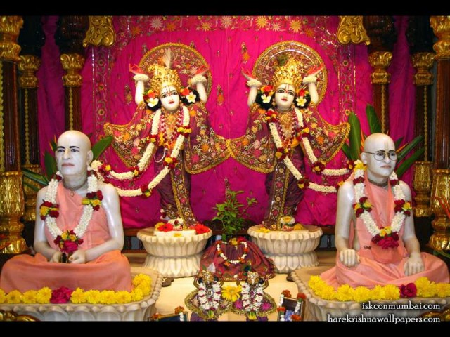 Sri Sri Gaura Nitai with Acharyas Wallpaper (010)