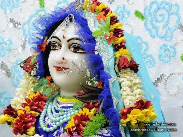Srimati Radharani Close up Wallpaper (092)