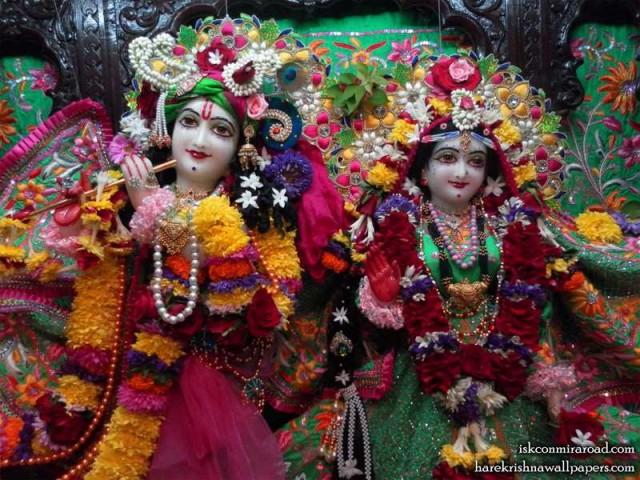 Sri Sri Radha Giridhari Close up Wallpaper (023)