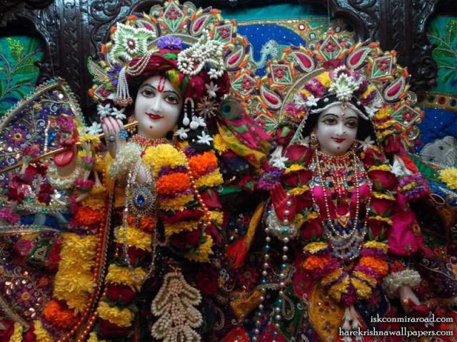 Sri Sri Radha Giridhari Close up Wallpaper (025)