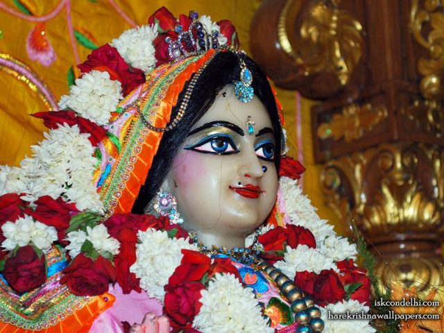 Sri Radha Close up Wallpaper (017)