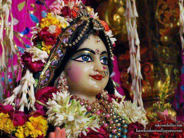 Sri Radha Close up Wallpaper (022)