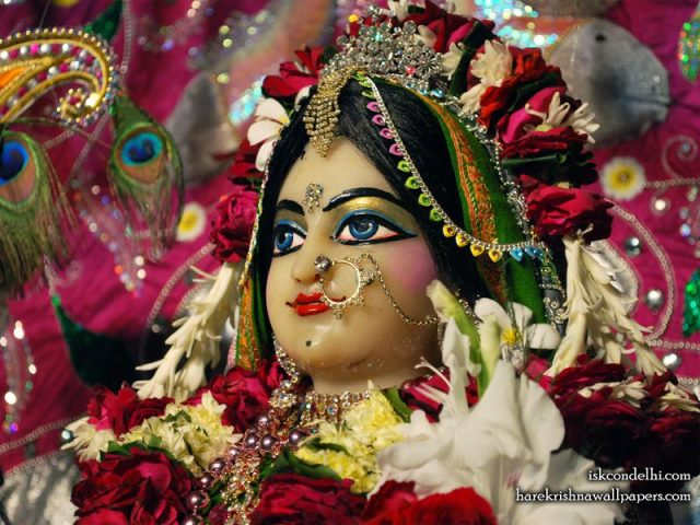 Sri Radha Close up Wallpaper (029)