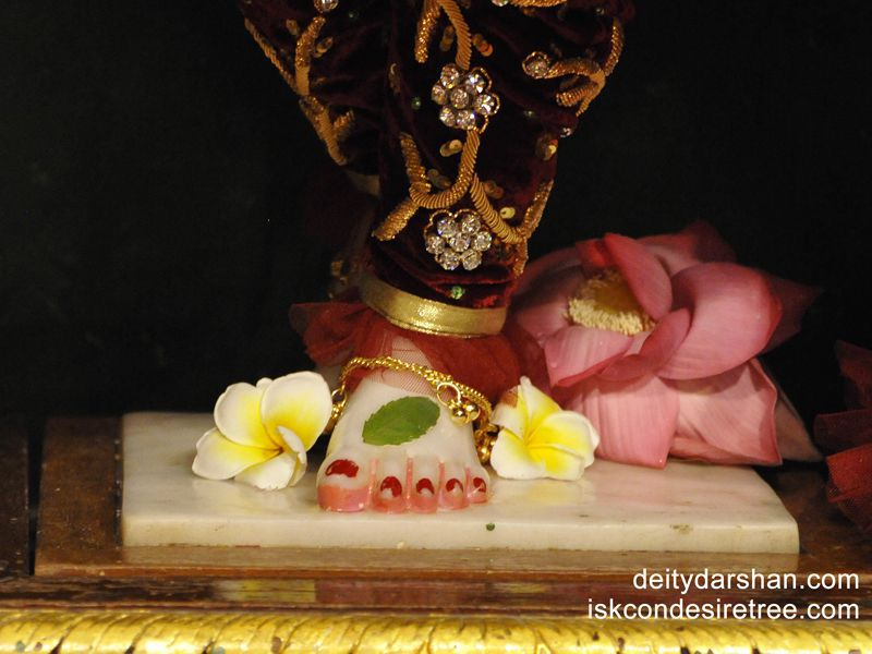 Sri Gaurachandra Feet Wallpaper (003)