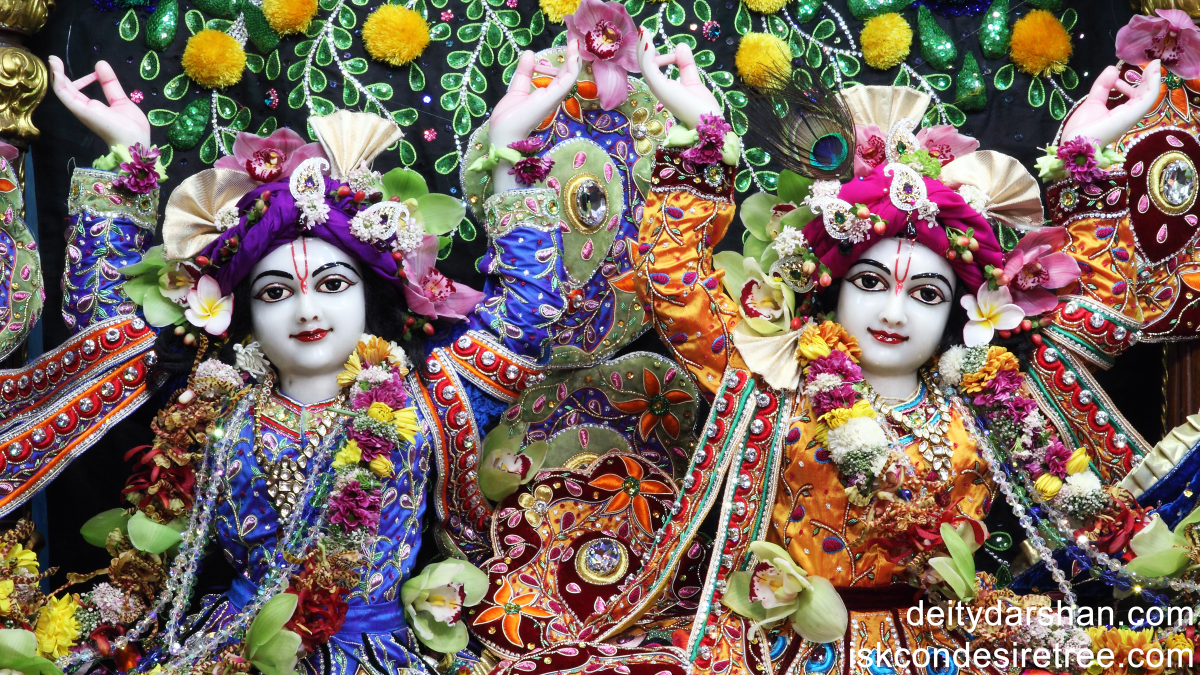 Sri Sri Nitai Gaurachandra Close up Wallpaper (005) Size 2400x1350 Download