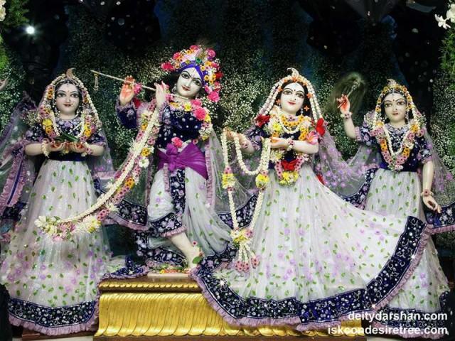 Sri Sri Radha Gopinath Lalita Vishakha Wallpaper (043)