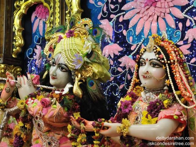 Sri Sri Radha Gopinath Close up Wallpaper (012)