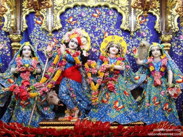 Sri Sri Radha Gopinath Lalita Vishakha Wallpaper (020)