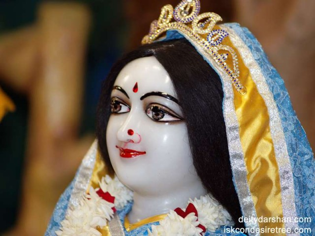 Srimati Radharani Close up Wallpaper (021)