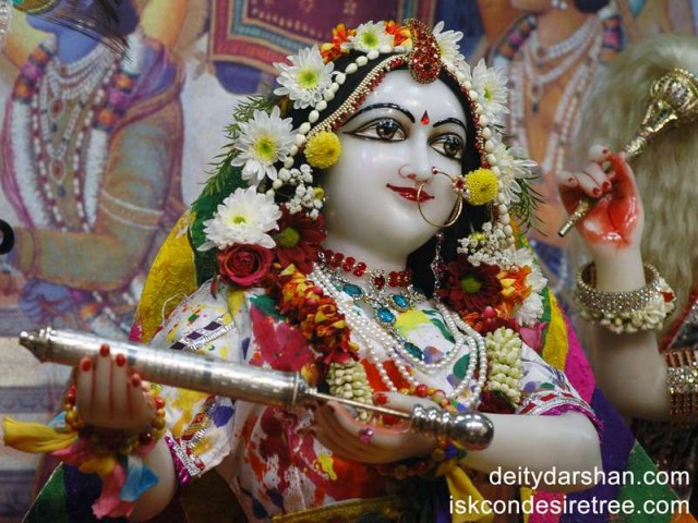 Srimati Radharani Close up Wallpaper (023)