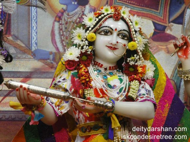 Srimati Radharani Close up Wallpaper (025)