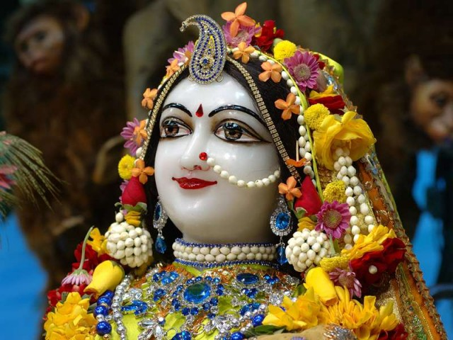 Srimati Radharani Close up Wallpaper (027)