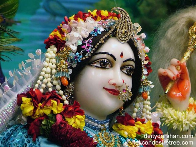 Srimati Radharani Close up Wallpaper (043)