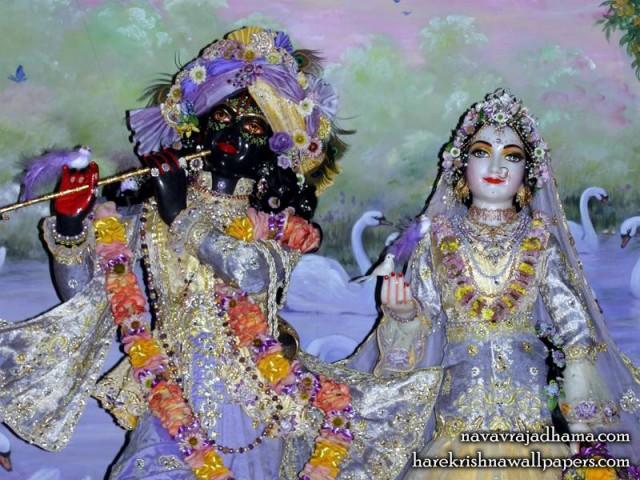 Sri Sri Radha Shyamsundar Close up Wallpaper (005)