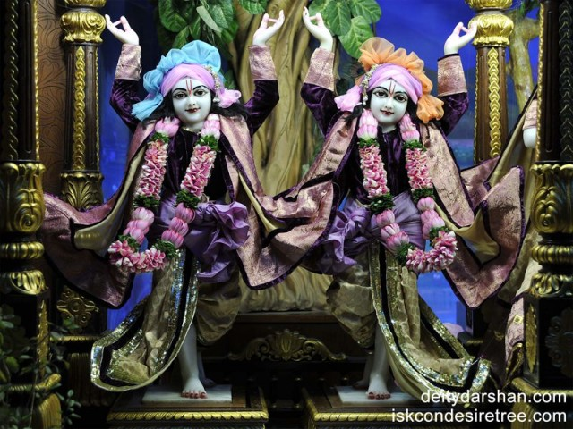 Sri Sri Nitai Gaurachandra Wallpaper (006)