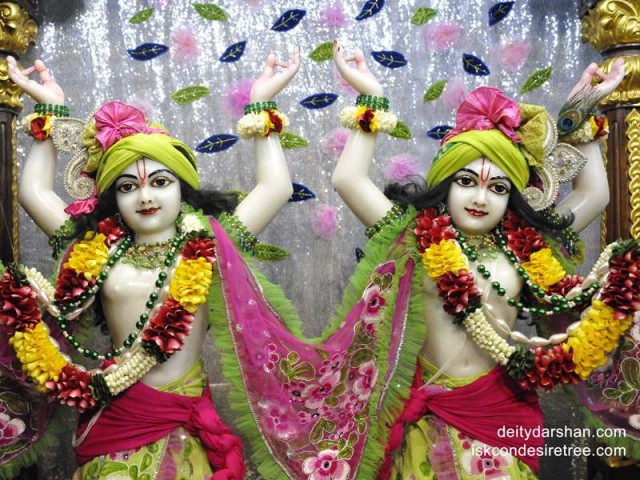 Sri Sri Nitai Gaurachandra Close up Wallpaper (012)