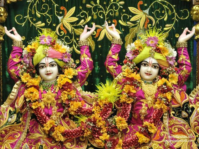 Sri Sri Nitai Gaurachandra Close up Wallpaper (013)