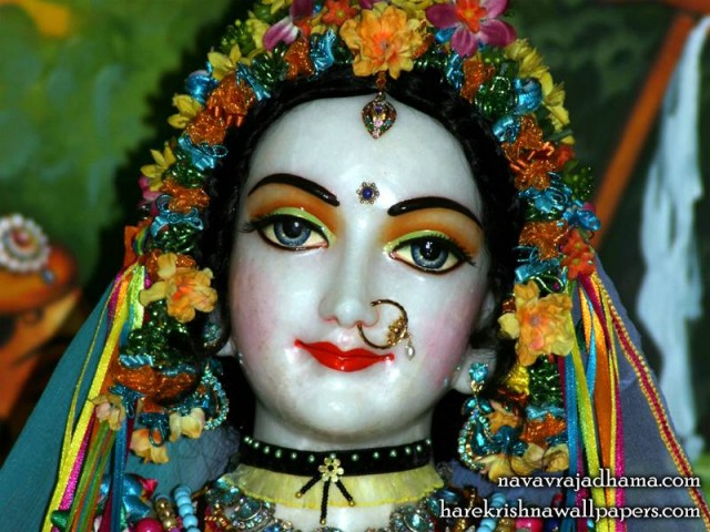 Sri Radha Close up Wallpaper (017)