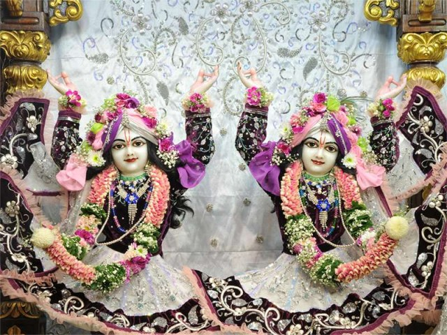 Sri Sri Nitai Gaurachandra Close up Wallpaper (018)