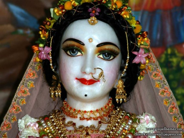 Sri Radha Close up Wallpaper (032)