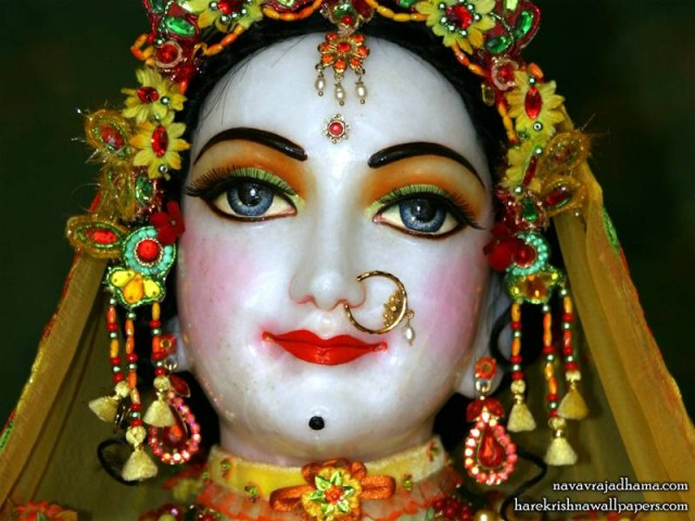Sri Radha Close up Wallpaper (039)