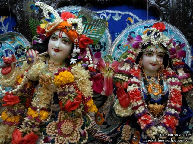 Sri Sri Radha Giridhari Close up Wallpaper (005)