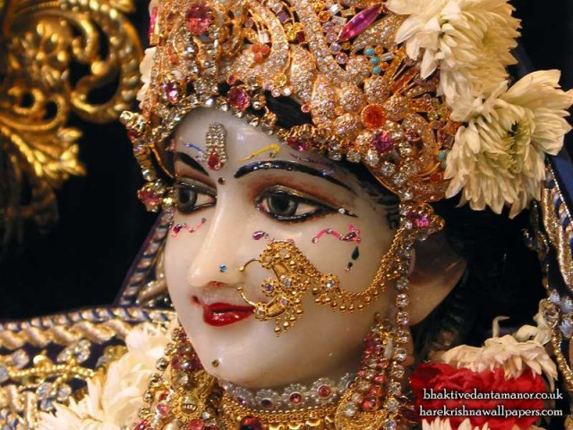 Sri Radha Close up Wallpaper (011)
