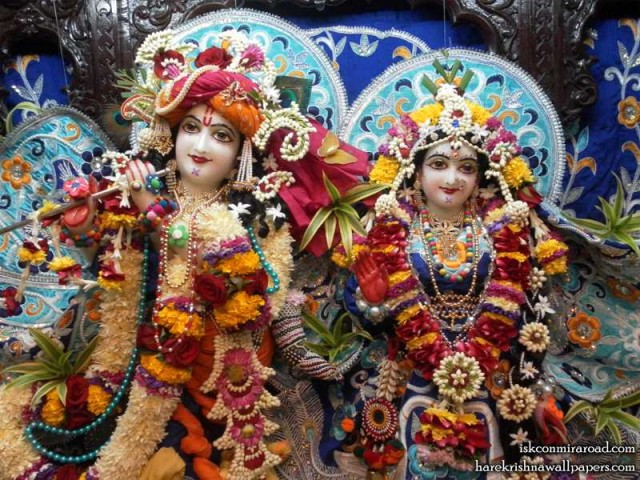 Sri Sri Radha Giridhari Close up Wallpaper (018)