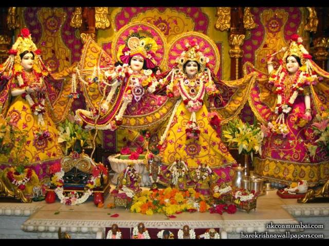 Sri Sri Radha Rasabihari Lalita Vishakha Wallpaper (004)