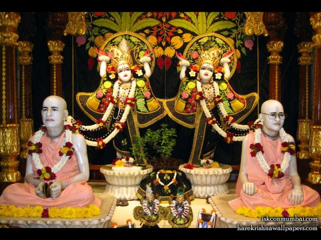 Sri Sri Gaura Nitai with Acharyas Wallpaper (009)