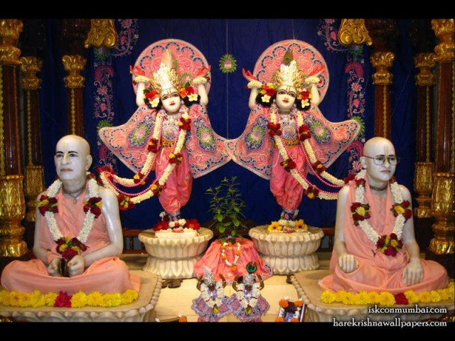 Sri Sri Gaura Nitai with Acharyas Wallpaper (011)