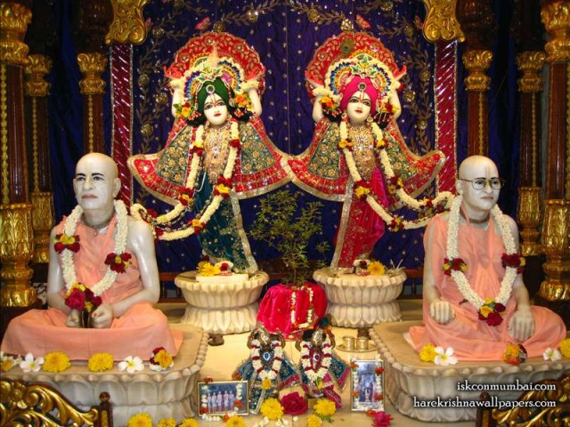 Sri Sri Gaura Nitai with Acharyas Wallpaper (019)