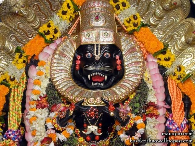 Sri Narasimha Deva Close up Wallpaper (009)