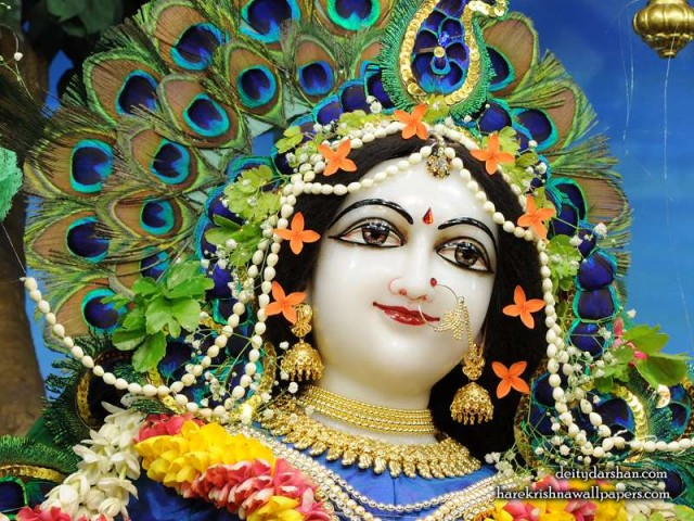 Srimati Radharani Close up Wallpaper (095)