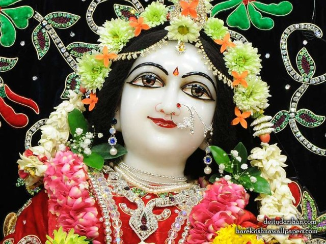 Srimati Radharani Close up Wallpaper (099)