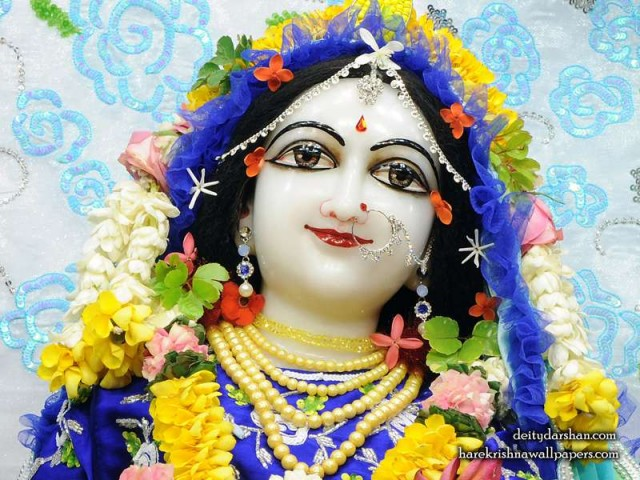 Srimati Radharani Close up Wallpaper (100)