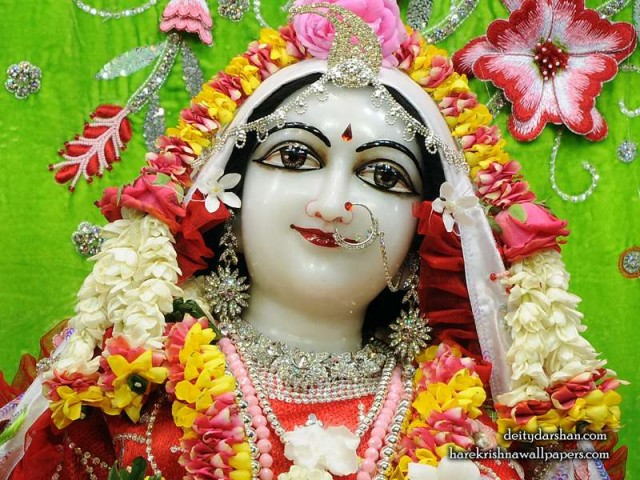 Srimati Radharani Close up Wallpaper (102)
