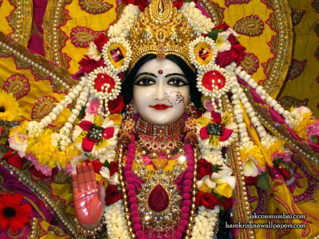 Sri Sita Close up Wallpaper (008)